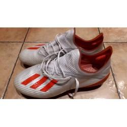 Adidas Noppenschuh Gr. 41...