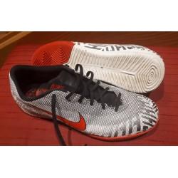 Nike Hallenschuhe Gr. 42